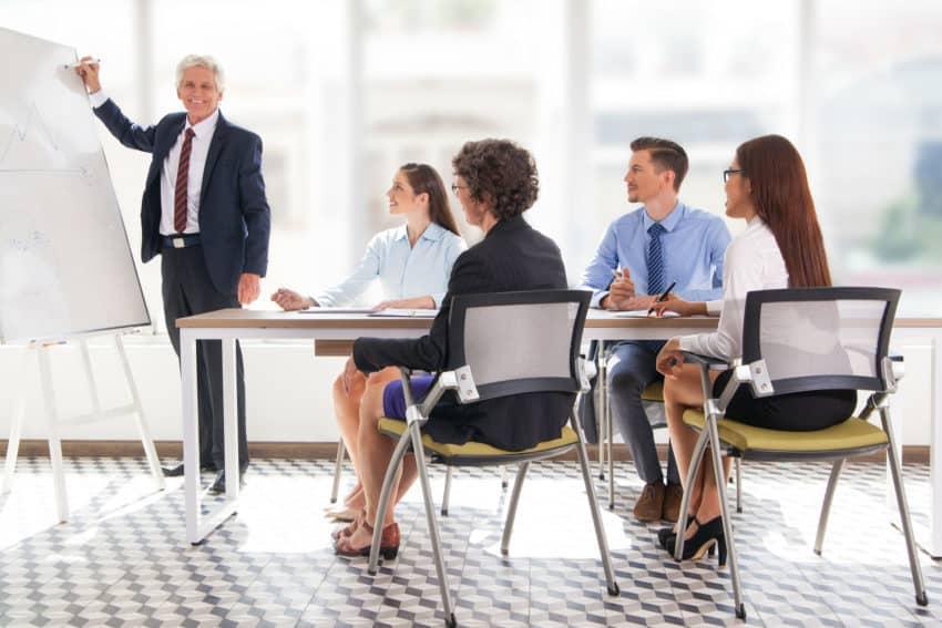 Mehr Mut für eine lebendige und eigenständige Managementsprache