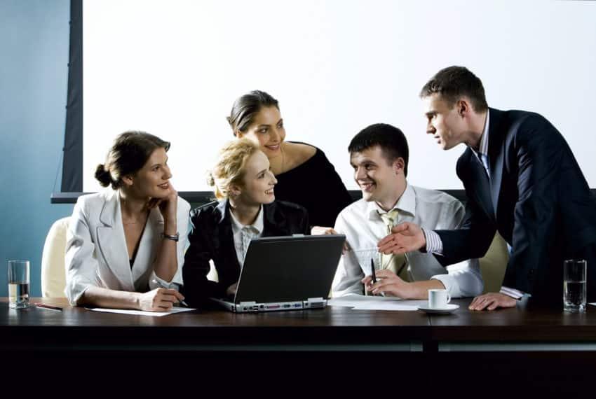 Wie kann man Mitarbeiter halten und binden?